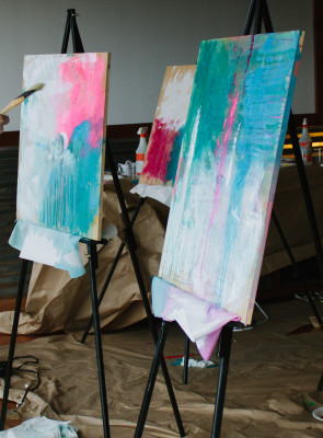 Willow St. Hosts Abstract Art Class with Nicole Morrow